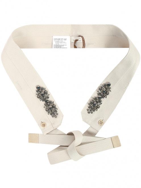 Воротник из текстиля с декоративной отделкой - Общий вид