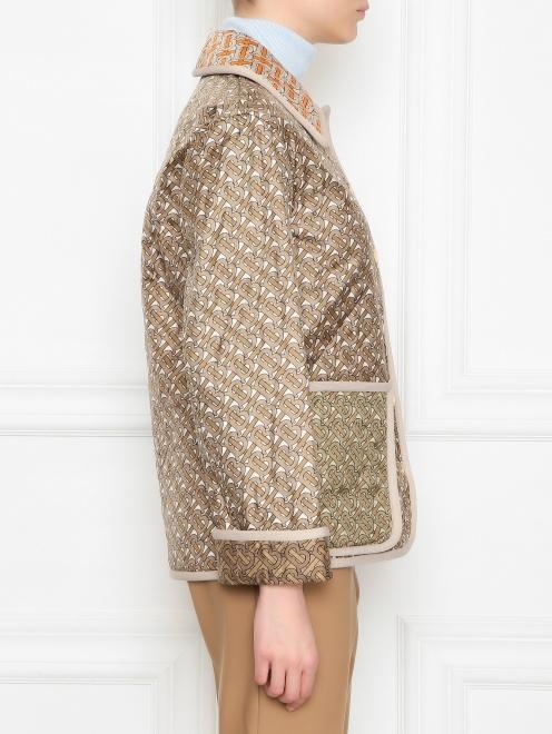 Стеганная куртка из шелка с накладными карманами и принтом  - МодельВерхНиз2