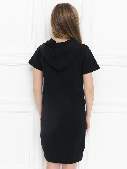 Платье трикотажное с капюшоном - МодельВерхНиз1