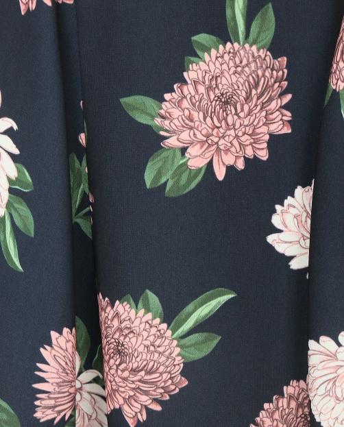 Платье-мини свободного фасона и цветочным узором - Деталь1