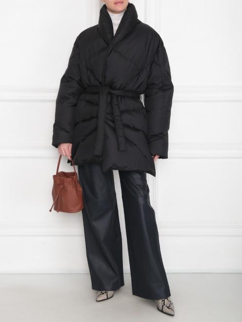 Стеганая куртка с поясом  - Общий вид