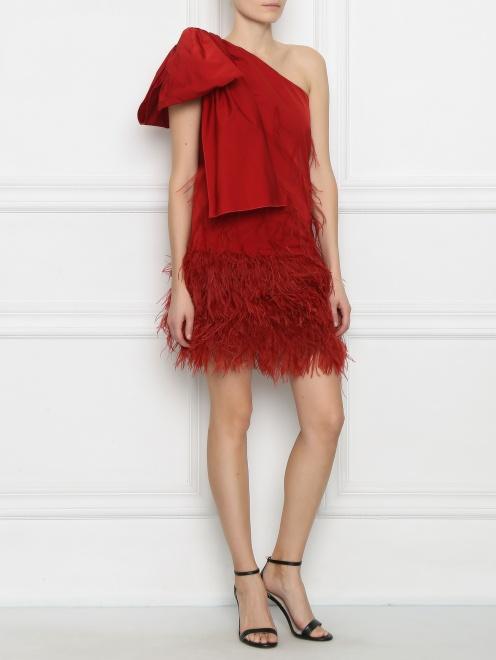 Платье-мини декорированное перьями - МодельОбщийВид
