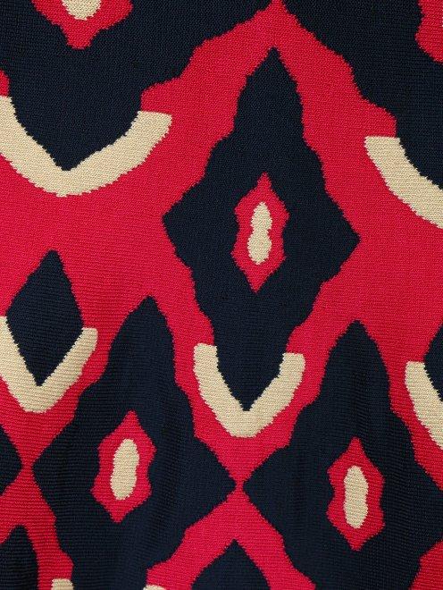 Трикотажное платье из фактурной ткани - Деталь1