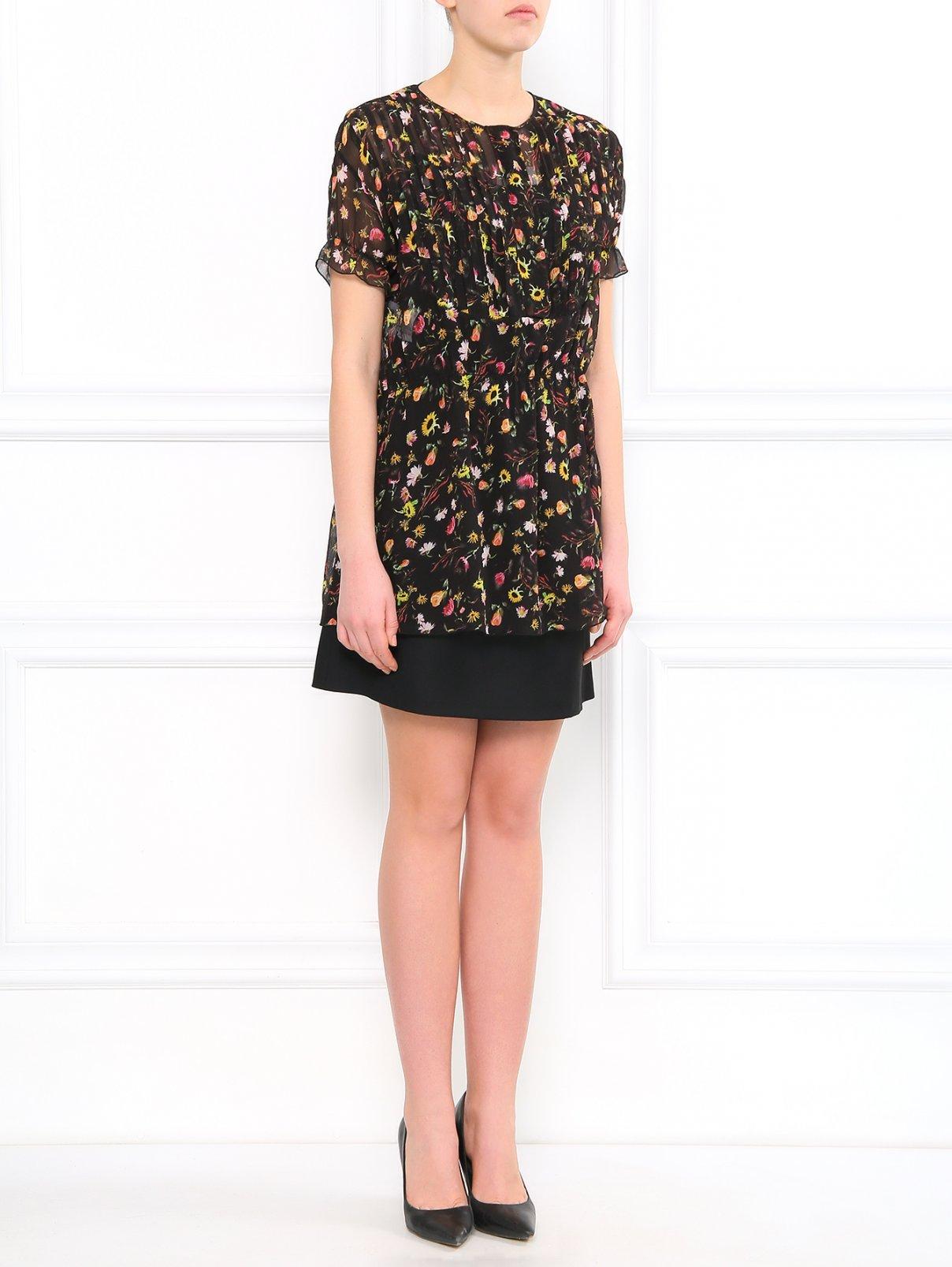 Шелковая блуза с цветочным узором Moschino Cheap&Chic  –  Модель Общий вид  – Цвет:  Узор